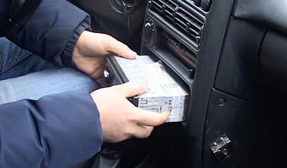 Раскрыта серия краж из авто