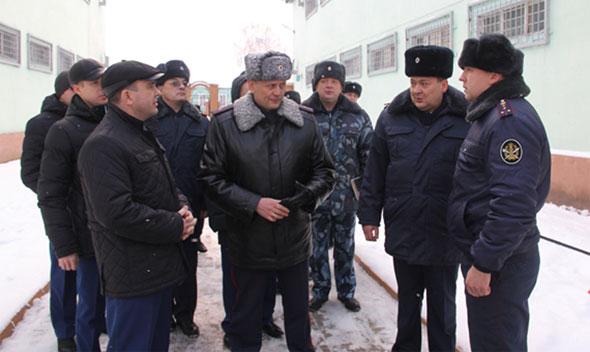 Зам.прокурора области проверил ИК-7
