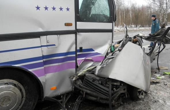 В авариях погибли 3 человека