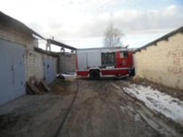 На ул.Еловой горел гараж