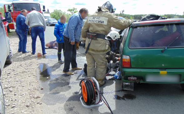 Авария: столкнулись &quotОка&quot и &quotРено&quot