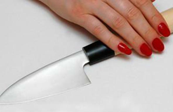 Ударила мужа ножом