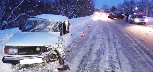В аварии пострадал водитель
