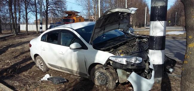 В авария пострадали пассажир авто и велосипедист
