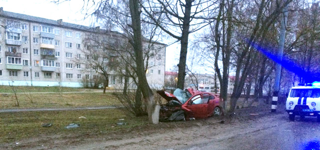 В Коврове в ДТП погиб пассажир авто