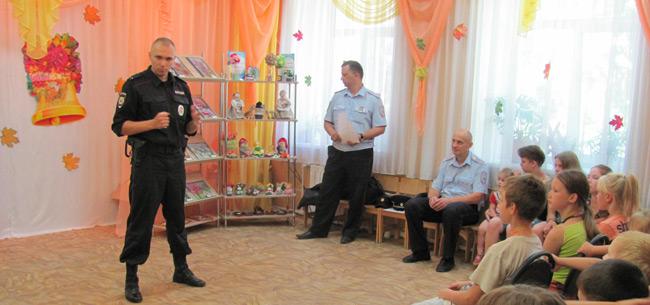 Ковровские полицейские провели акцию &quotОдин день с сотрудником ППС&quot