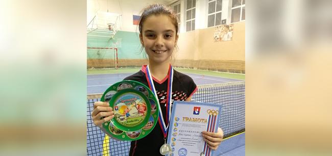 Победы юных теннисистов