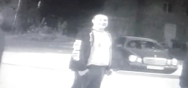 Полицейские просят жителей оказать содействие в розыске подозреваемого