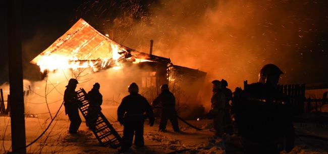 На пожаре в Ковровском районе местные жители спасли пенсионерку