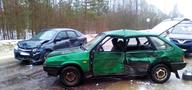 5 и 6 марта в Ковровском районе в ДТП пострадали водители