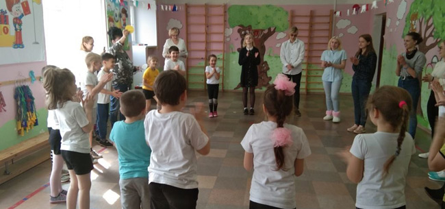 Студенты ковровского колледжа провели квест по ПДД в детском саду