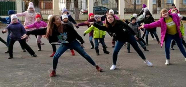 Танцевальный флешмоб в Коврове