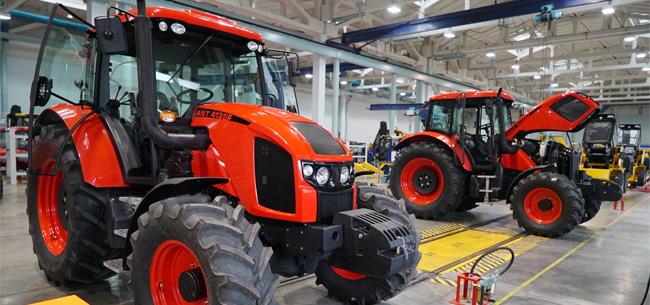 Холдинг «Высокоточные комплексы» провел рестайлинг трактора ANT 4135 F