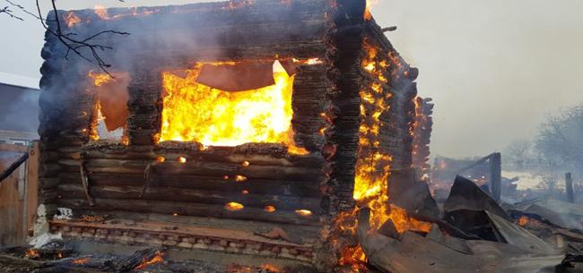 При пожаре погибли два человека