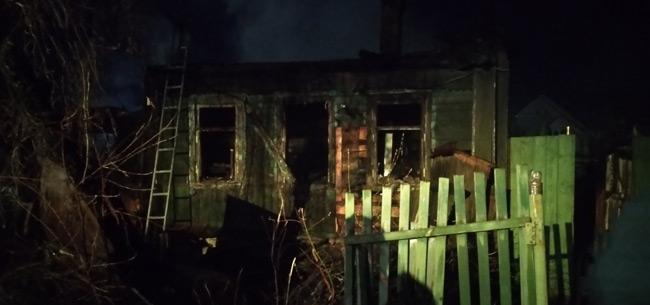 Два человека погибли на пожаре в Коврове