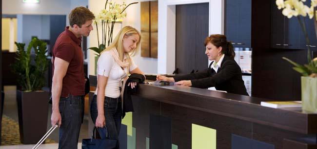 Гостиницы откроются только для командированных