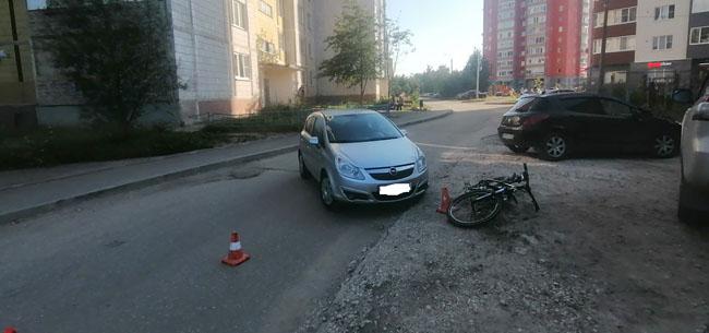 В аварии пострадал велосипедист