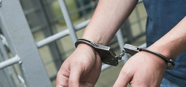 Наркотики и схватка с полицейским