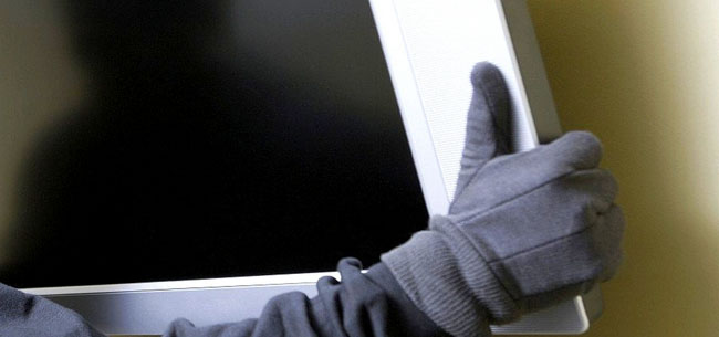 Залез в чужую квартиру и украл телевизор
